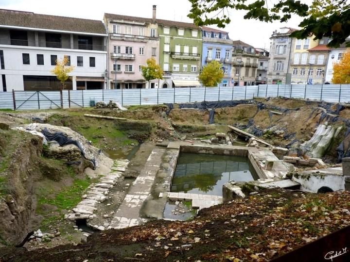 As escavações arqueológicas no Largo de Arrabalde / Archaeological excavations in the Largo de Arrabalde