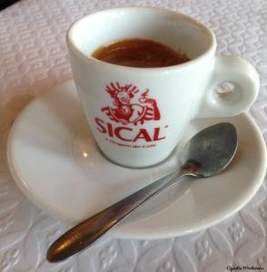 O Pote_Chaves_café