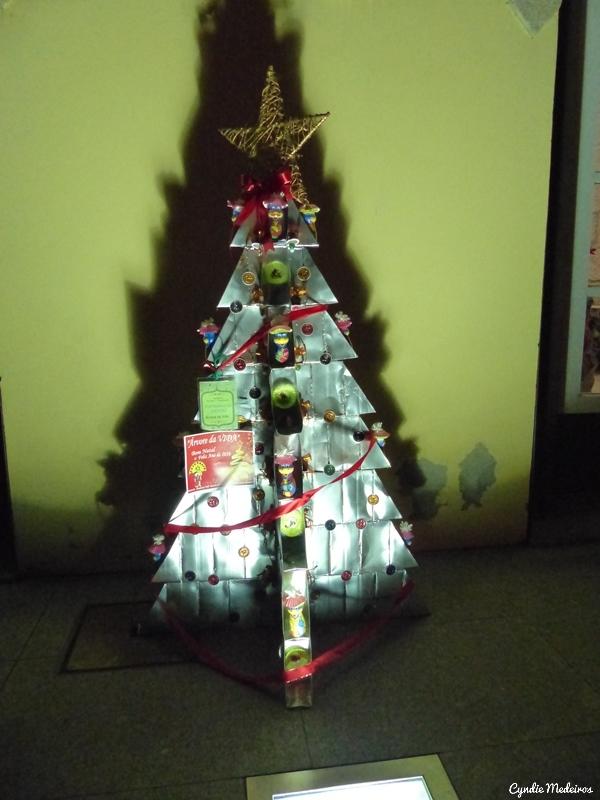 Arvores de Natal recicladas_Chaves (2)